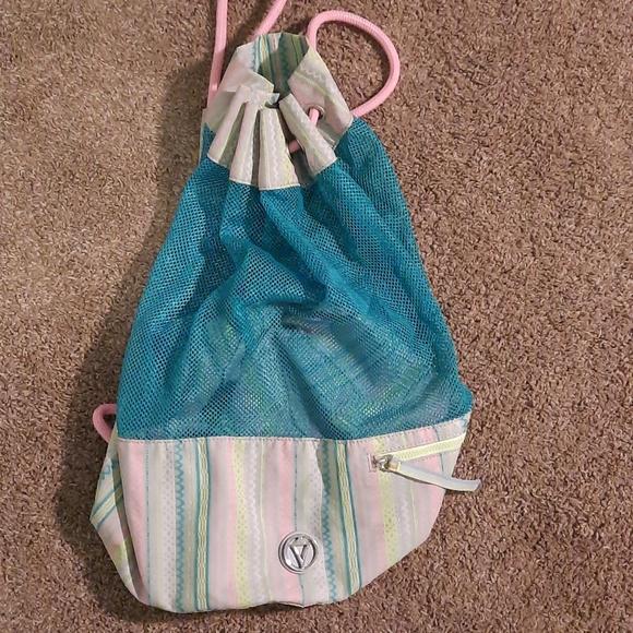 Ivivva mesh beach/swim bag never used w pocket!!